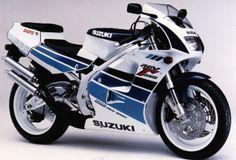 Suzuki RGV250 Modell 1991 - offizielles Pressefoto