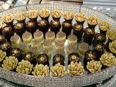 Ligado na Moda: Especial: Casamento #LigadoNaModaNaExpoFestas Mini Desserts, Delicious Desserts, Dessert Recipes, Chocolates, Nutella Recipes, Chocolate Pies, Arabic Food, Cake Cookies, Coco