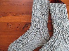 Ravelry: BUHIBUHI's Twisted Flower Sock #2