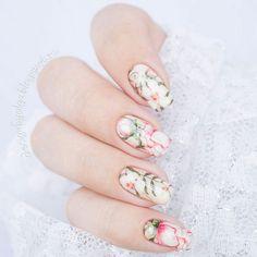 #маникюр #nailart #гельлак #слайдер #чернаяпантера #bpw #красивыйманикюр #ногти #nail #nails #красивыеногти #лето #цветы #нежно  Маникюр с цветами с @slider_bpwomen. http://ift.tt/2adhgh5