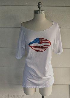 WobiSobi: Patriotic Kiss, Off the Shoulder T-shirt DIY.
