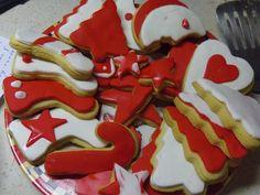 Χριστουγεννιάτικα μπισκότα βουτύρου με ζαχαρόπαστα - Anthomeli Fondant Cookies, Cupcakes, Diy Crafts Videos, Cookie Cutters, Xmas, Christmas, Sweets, Desserts, Navidad