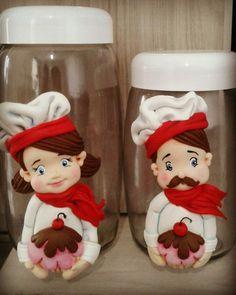 Potes decorados cozinheiros em biscuit  Mimos da Mamãe (Whats) 98 81295364 (Oi) 98 988389592 www.instagram.com/mimosdmamae Facebook.com/mimosdamamae  Facebook.com/janegraziela  www.janegraziela.blogspot.com www.mimosdamamae.com  http://www.elo7.com.br/mimosdamamae