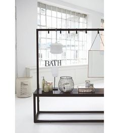 Housedoctor Bank & Garderobe aus Metall/Holz, schwarz, 150x40x160cm - lefliving.de