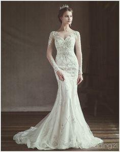 화려하고 섬세한 디테일을 선보이는 웨딩드레스 컬렉션, 블랑늘 1