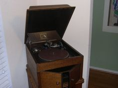 Hey, I found this really awesome Etsy listing at https://www.etsy.com/listing/165717621/vintage-gramophone-record-player-his