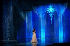 """Crystals played a supporting role in Idina Menzel's """"Let it Go"""" Frozen performance, marking the 7th year Swarovski has been the key creative ingredient in the #Oscars set design. #HollywoodSparkle"""