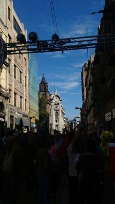 Belleza más allá del caos... Calle Madero Centro Histórico de la ciudad de México enero 2017
