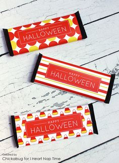 Free printable Halloween Candy Bar Wrappers! I love these bright yellow and orange labels.