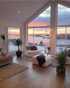 Low Budget Home Decorating Can Really Give Your Home a Lift Dream House Interior, Dream Home Design, My Dream Home, Home Interior Design, Dream Job, Luxury Interior, Room Interior, Millionaire Homes, Millionaire Lifestyle