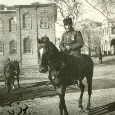 Mustafa Kemal Atatürk 2. Ordu komutanı olduğu dönemde Diyarbakır'da 1917