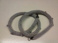 Braccialetto tricotin grigio in lana