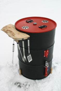 This is a tasty way to make chicken. Just add the good stuff! Healthy Grilled Chicken Recipes, Marinated Grilled Chicken, Moist Chicken, Barrel Smoker, Uds Smoker, Ugly Drum Smoker, Parrilla Exterior, Orange Mousse, Chocolate Raspberry Cheesecake