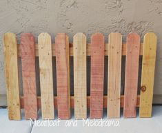 wood fence posts made into doggy gate Dog Gate With Door, Diy Dog Gate, Diy Baby Gate, Pet Gate, Wooden Screen Door, Diy Screen Door, Wooden Gates, Wood Fence Post, Fence Posts