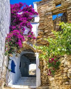 Architecture Life, Mediterranean Architecture, Mediterranean Sea, Beautiful World, Beautiful Places, Travel Around The World, Around The Worlds, Greek Flowers, Forest Mountain