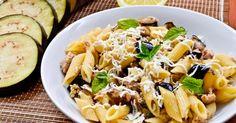Recette de Pennes à la ricotta, au thon et aux aubergines. Facile et rapide à réaliser, goûteuse et diététique. Ingrédients, préparation et recettes associées.