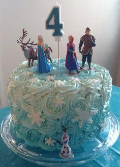 Bolo da Elsa: 80 Modelos Fantásticos Para se Inspirar! Frozen Birthday Party, Frozen Party Cake, 4th Birthday Cakes, 4th Birthday Parties, Disney Frozen Cake, Carnival Birthday, Birthday Ideas, Bolo Elsa, Pastel Frozen