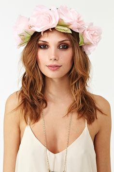 I'm making us matching flower headbands! @Mariana Castillo @Michelle Robles