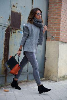 strikket genser, skinny jeans, ankelboots
