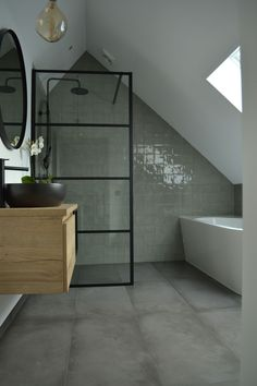 28 Before and After: Budget Friendly Bathroom Makeovers to Inspire Your Next Home Improvement Project - The Trending House Small Attic Bathroom, Upstairs Bathrooms, Family Bathroom, Laundry In Bathroom, Dream Bathrooms, Beautiful Bathrooms, Loft Room, Bathroom Interior Design, My New Room