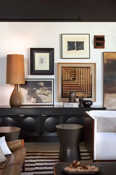 design - The Couple Behind Hammer and Spear Imbues Interiors with Downtown L A Cool Interior Design Photos, Interior Styling, Interior Inspiration, Interior Decorating, Vogue Living, Eclectic Living Room, Living Room Designs, Interior Exterior, Home Interior