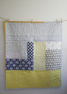 Another gorgeous crib quilt by Namoo. scrappy, modern, love it Quilt Baby, Cot Quilt, Quilting Projects, Quilting Designs, Sewing Projects, Quilt Design, Small Quilts, Easy Quilts, Amish Quilts