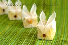Origami Parchment Bunny Cakes Easy Easter Recipes that not only taste great but look amazing too. Edible Crafts, Food Crafts, Bunny Origami, Easy Easter Recipes, Bunny Cupcakes, Celebrate Good Times, Easter Parade, Almond Cakes, Easter Treats
