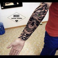 1 сеанс. Рукав в процессе #drozdovtattoo#tattooinstartmag#tattoostyle#chicano#tattooart#blackandgrey#tattoolife#inkkaddicted#inkdollz#tattooed#style#sleevetattoo#tattoozlife#instatattoo#sullen#tattoos#lowridertattoostudios#goodfellastattio#ink_life#inkeeze#minddlowingtattoos#lifestyletattoo#worldtattoo#tattoos_of_instagram#inkjunkeyz#ru_tattoo#inknationofficial#drozdov_ink