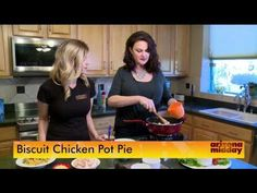 Make this family classic dinner in less than 30 minutes! Biscuit Chicken Pot Pie, Pot Pies, Biscuits, How To Find Out, Creative, Life, Crack Crackers, Cookies, Biscuit