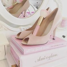 @ lady_of_elegance_