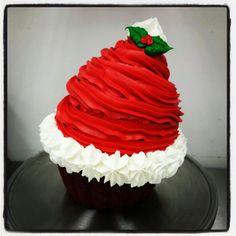 Christmas Deserts, Christmas Cupcakes, Christmas Goodies, Christmas Treats, Christmas Baking, Large Cupcake Cakes, Miss Cupcake, Cupcake Cookies, Ice Cream Cupcakes