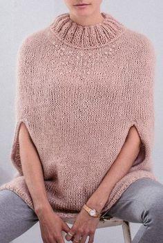 Mohair cape w/ Swarovski Pearls FREE knitting pattern in German (hva) Knitting Designs, Crochet Designs, Knitting Patterns Free, Knit Patterns, Free Knitting, Knitting Projects, Baby Knitting, Knitted Poncho, Knitted Shawls