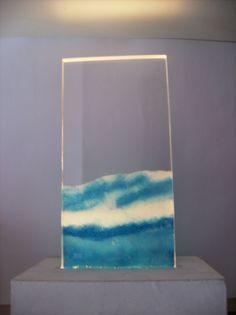 """Titolo """"Onda"""".Tecnica:resine e pigmenti su plexiglass. Created by Elvira Chiodino"""