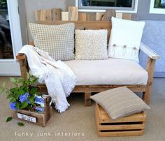 pallet porch sofa- love these little pallet ottoman. may be a perfect fit with out new couch??