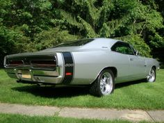 """1969 Dodge Charger 500: rear 3/4 view showing the """"500"""" bumblebee stripe and the more-aerodynamic rear glass (same as the Charger Daytona)!!"""