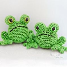 Fred the frog amigurumi pattern