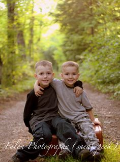 brothers   family photography  outdoor