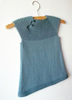 Little cousin's dress - Anisbee Couture, Pulls, Cousins, Baby Knitting, Baby Knits, Salons, Sweaters, Tops, Dresses