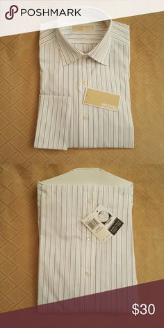 Michael Kors Mens Dress Shirt Sz 14 1/2 32-33 LS Michael Kors Classic Oxford button down dress shirt. White with blue and gold pin stripes, French cuffs. Brand new with tags, Store pinned and folded. I purchased this new from Lord&Taylor. Size 14 1/2 neck, 32-33 sleeve length. Mint condition. Michael Kors Shirts Dress Shirts