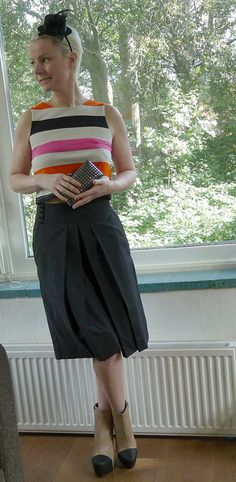 Alexander McQueen trousers, H striped top, Mango clutch, NLY booties. Waist Skirt, High Waisted Skirt, Mango Fashion, Alexander Mcqueen, Trousers, Booty, My Style, Skirts, How To Wear