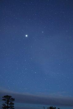 Sirius, from Matt Schulze in Santa Fe, New Mexico. Star Wallpaper, Iphone Background Wallpaper, Absolute Magnitude, Sky Gazing, Sirius Star, Gemini Star, Nighttime Sky, Ocean Sailing, Stars Tonight