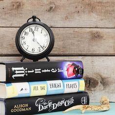 Quem gostava de ter mais uma hora para ler? :) Credits to @pageslikepetals  #book #books #bookstagram #bookaddict #booklove #booklover #bibliophile #instabook #instareader #ya #youngadult #yalovin #yalove #yalover
