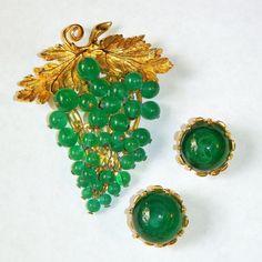 Vintage Nettie Rosenstein Green Glass Grapes Brooch, Earrings Set..