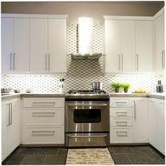 Do you like chimney style range hoods or do you prefer under cabinet models? Kitchen Exhaust, Kitchen Hoods, Kitchen Tile, Kitchen Reno, Diy Kitchen, Kitchen Remodel, Kitchen Cabinets, Kitchen Counters, Vintage Kitchen