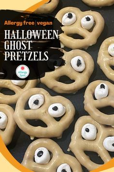 Quick and easy allergy-friendly, gluten free and vegan Halloween ghost pretzels. A fun and tasty snack to make with the kids this Halloween. Chocolate Drip, Chocolate Covered Pretzels, Melting Chocolate, Snacks To Make, Yummy Snacks, Vegan Marshmallows, Halloween Ghosts, Allergy Free, Perfect Food