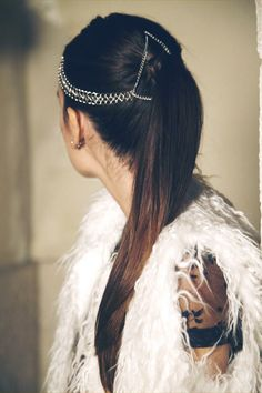 Lovely Breeze Shop Hair Chain with Ponytail