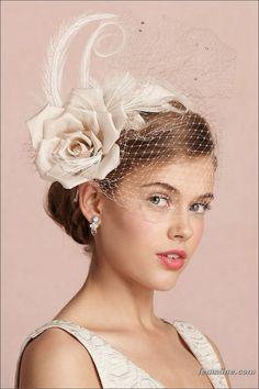 veil fascinator with rose and feather Wedding Hats, Headpiece Wedding, Wedding Veils, Bridal Headpieces, Fascinators, Trendy Wedding, Bhldn Wedding, Bride Headband, Tulle Headband