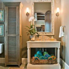 Powder Room Charleston Style Design Ideas, Pictures, Remodel, and Decor