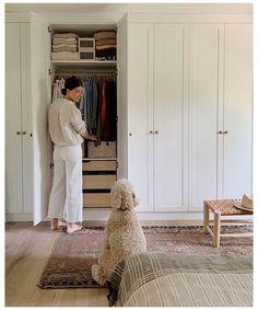 Bedroom Closet Design, Wardrobe Design, Closet Designs, Home Bedroom, Bedrooms, Bedroom Storage, Storage Closets, Master Bedroom, Bedroom Table