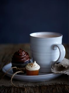a cup of Joe.. and cupcakes....can't get any better...